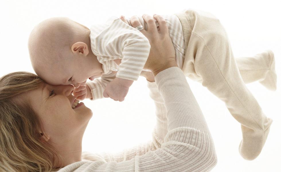 051 mutterschutz net.de .jpg 980x600 - Babykleidung: Was Sie am Anfang wirklich brauchen